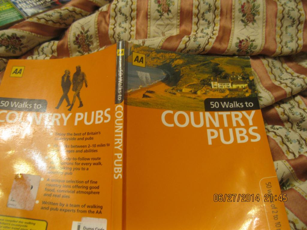 На английском языке книга путеводитель путешествия