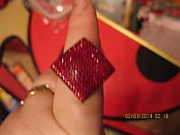 Нарядное кольцо перстень красный размер регулирует