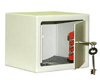 Практичный небольшой сейф Арсенал 15KS, 1 ячейка, 1 замок, без полок, 150x200x170 мм