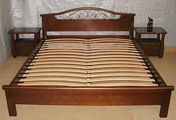 """Спальня из натурального дерева """"Фантазия -2"""". Массив - сосна.  В комплект входит:      деревянная кровать """"Фантазия - 2"""" (200*160), без изножья, массив - сосна, покрытие - """"лесной орех"""" (№ 44);     прикроватная тумбочка """"Грета Вульф"""", массив"""