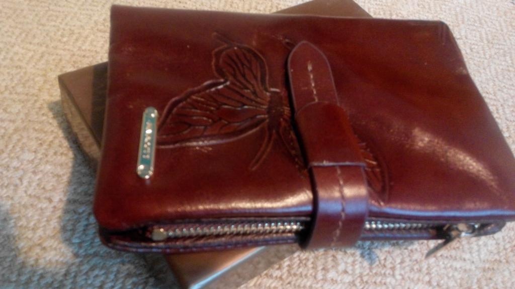 Кошелек женский кожаный портмоне с бабочками