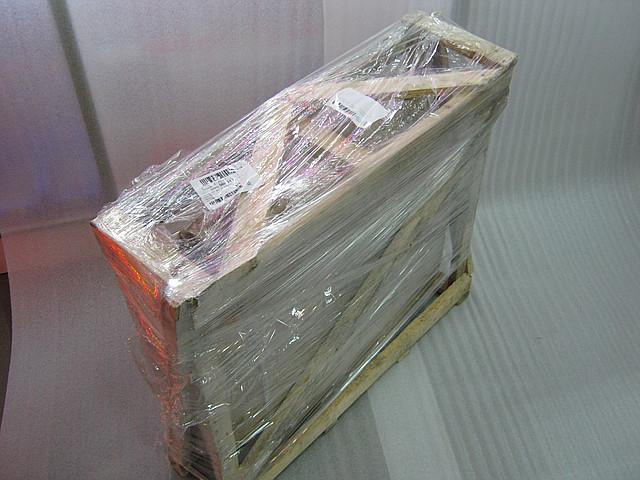 Упаковка светодиодного креста для транспортировки.