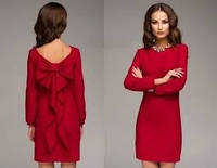 Платье с бантом на спине красное