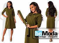 Стильное женское платье рубашечного кроя с большими накладными карманами на груди и широким поясом в комплекте оливковое
