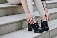Туфли, ботинки черные на удобном каблуке женские с лаковим носком на шнурках 2017