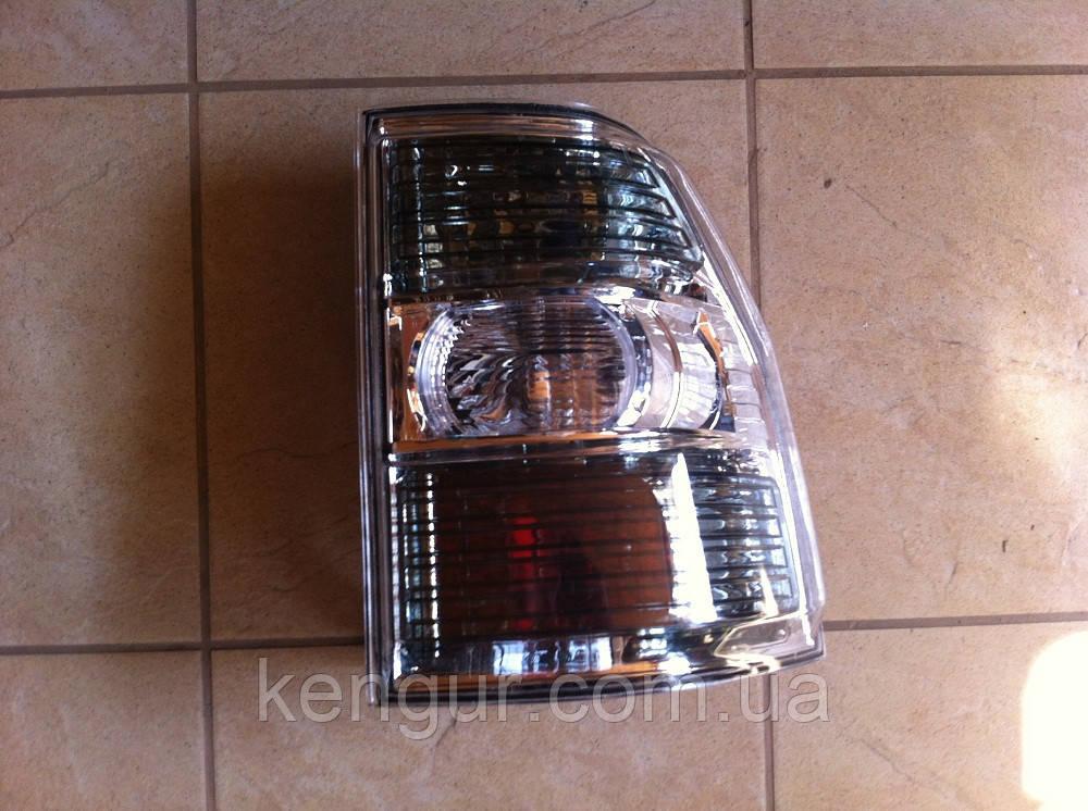 Задний правый фонарь Mitsubishi Pajero Wagon 4 8330A296 8330A354