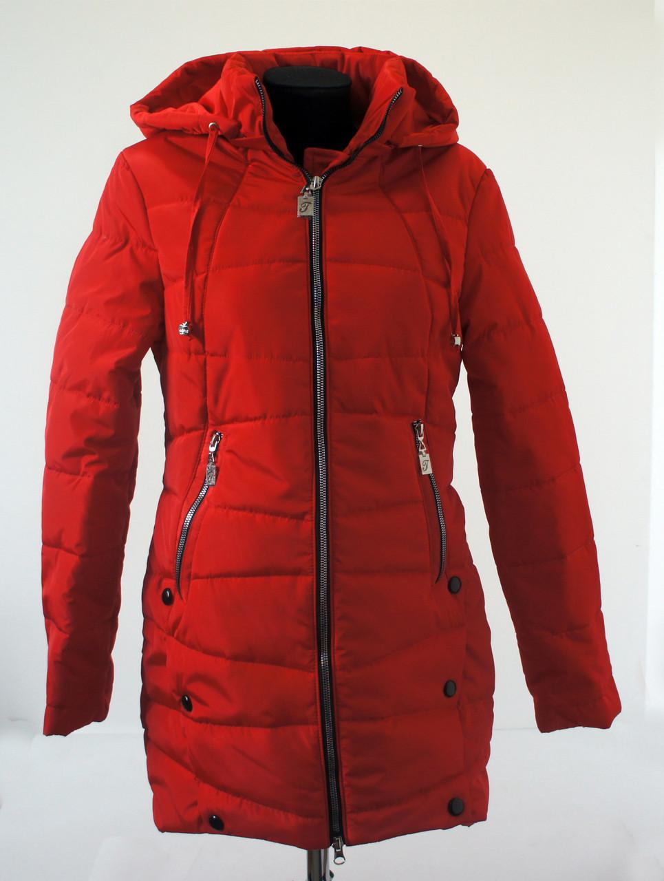 Женская удлиненная демисезонная куртка Эльза красного цвета