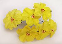 Лилия тканевая желтая (цена за 1 цветок)