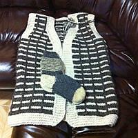 Вязаний свитер из натуральной овечьей шерсти.Ручная работа.