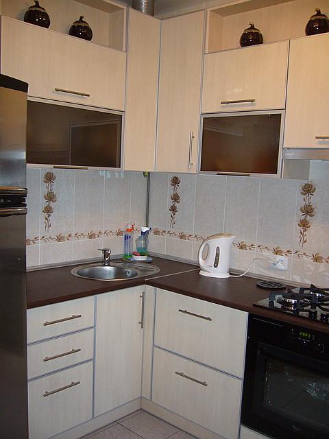 Кухня из ДСП в алюминиевой рамке