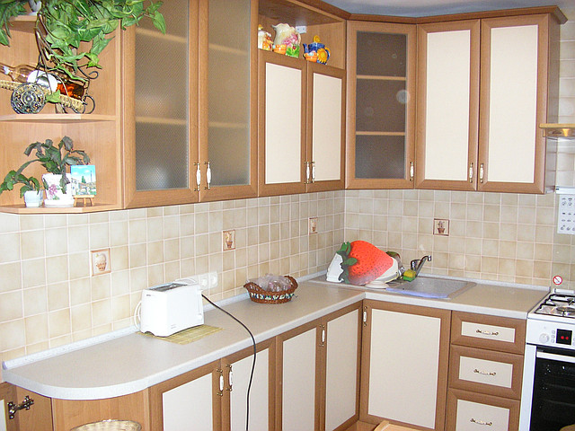 Кухня с фасадами из профиля АГТ
