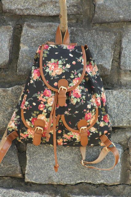 Рюкзак в цветах Путешествие