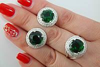 Набор ювелирных украшений из серебра и зеленым камнем в классическом стиле