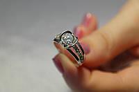 Серебряное женское  кольцо c фианитом