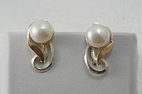 Серебряные серьги с белым жемчугом и золотом