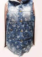 Молодежная женская жилетка с капюшоном 0420