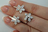 Серебряные кольцо и серьги в комплекте для девушки