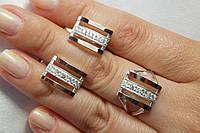 Серебряные украшения с золотом в комплекте - кольцо и серьги.