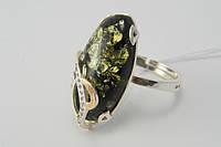 Кольцо из серебра 925* с крупным зеленым янтарем и золотом