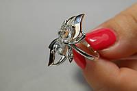 Кольцо из серебра 925 пробы с золотом и  белыми фианитами