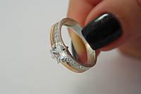 Серебряное кольцо с золотом, фианитами и квадратным камнем