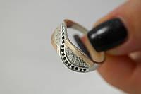 Кольцо из серебра с золотой пластиной и фианитом