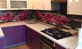 монтаж кухонного фартука  с фотопечатью на стену с помощью клея
