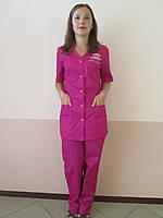 Элегантный костюм для работников салонов красоты, горничных