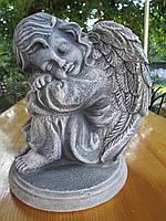 Ангел для надгробия. Скульптура ангелочка из высокопрочного бетона 28 см