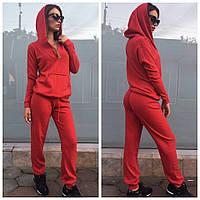 Женский спортивный костюм в красном  цвете