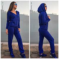 Женский спортивный костюм цвета электрик