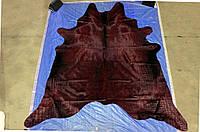 Крупная шкура коровы высшего качества, выдавленая под крокодила с блестящей и шелковистой бордовой шерстью