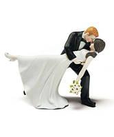 Фигурка на свадебный торт в романтическом стиле