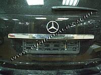 Mercedes ML klass W164 Накладка над номером (нерж.)