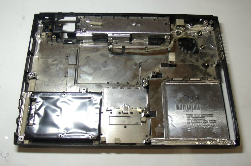Дно корпуса LG R40 R400 R405 KPI25182