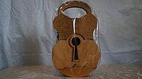 Сувенир из дерева  Ключница 3