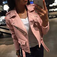 Стильная женская куртка-косуха кожзам на диагональной молнии, розовая