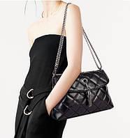 Женская сумка через плечо стеганная классическая c помпоном, фото 1