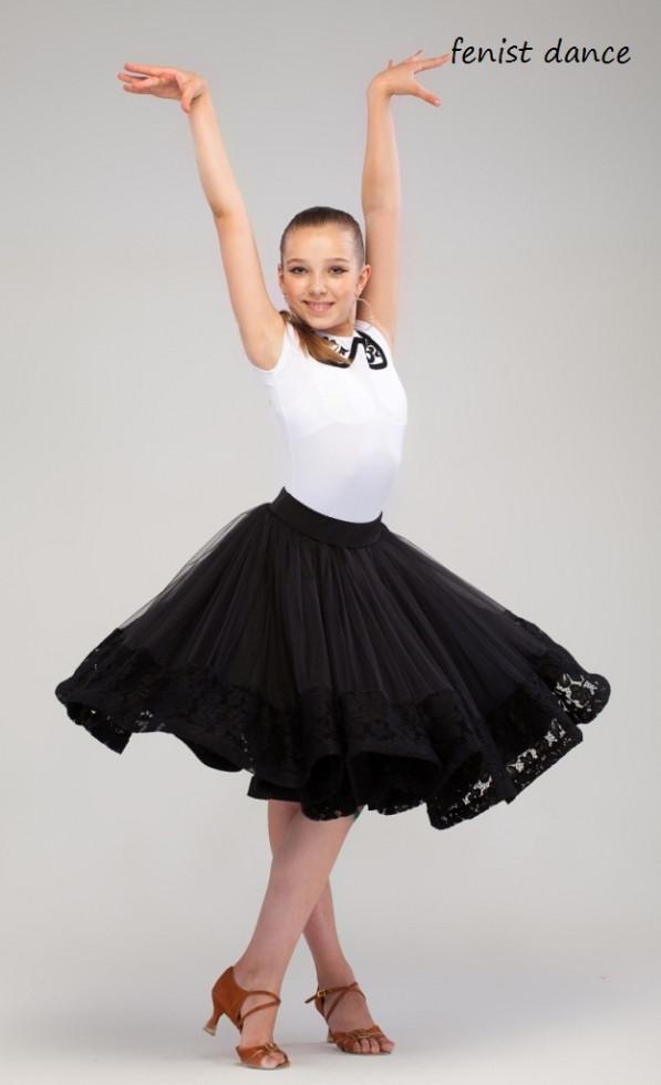 Рейтинговое платье черно белое