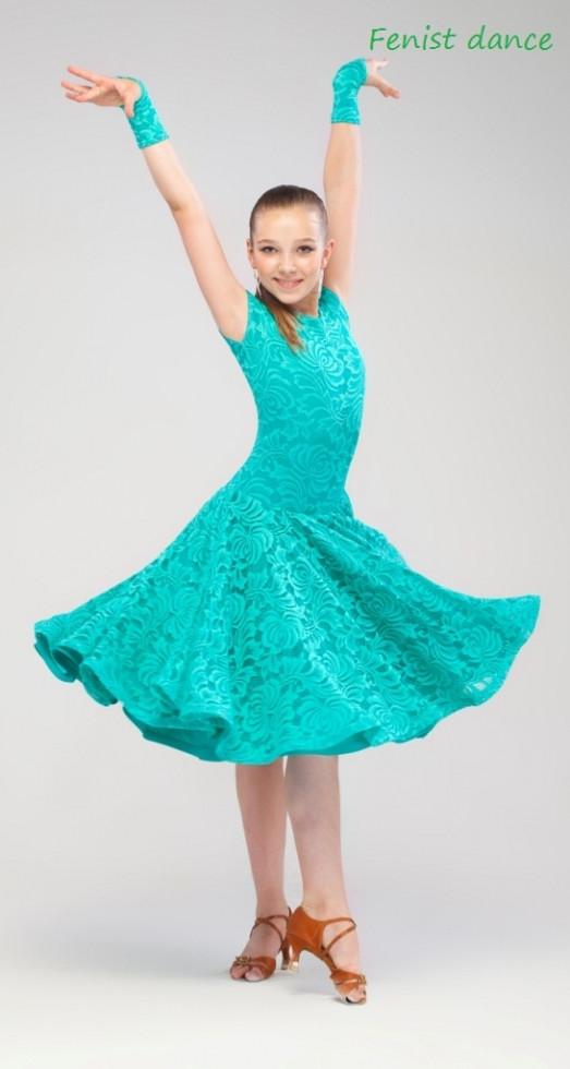 Платье рейтинговое гипюр