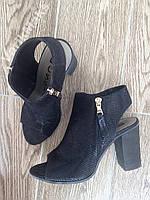 Дуже красиві туфлі з натуральної шкіри