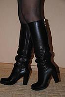 Кожаные черные сапоги, сезон осень или зима