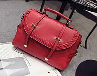 Женская сумка с ручкой через плечо с плетением классическая
