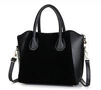 Практичная женская сумка с ручками.