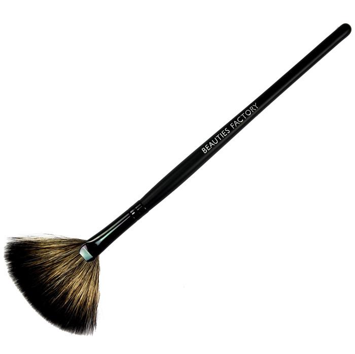 Веерная кисть из волчьего ворса Beauties Factory Fan Brush