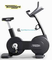 Вертикальный велотренажер TECHNOGYM Bike 500 SP