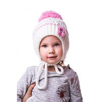 Детская вязаная шапка на девочку цветочек