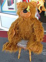 Огромный плюшевый медведь с пчелой