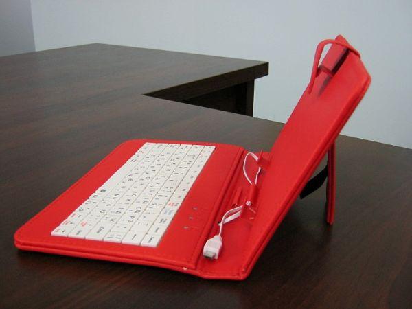 Чехол универсальный с клавиатурой Micro usb красный