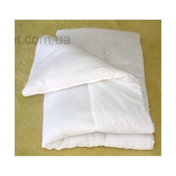 Стандартное одеяло в детскую кроватку